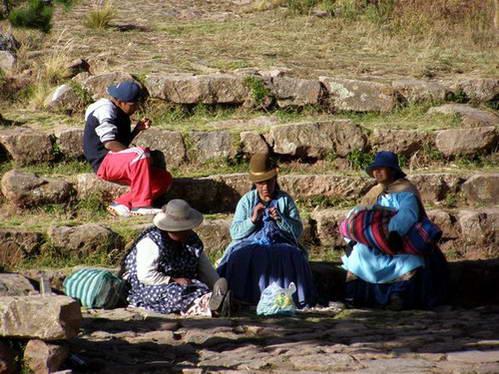 העיירה יומני, אגם טיטיקקה בבוליביה