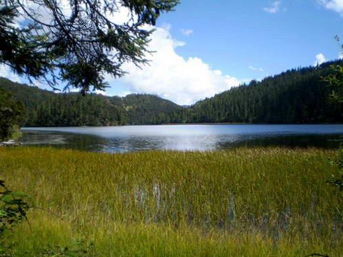 אגם פגודת הברקת (בִּיטָה הַאי)