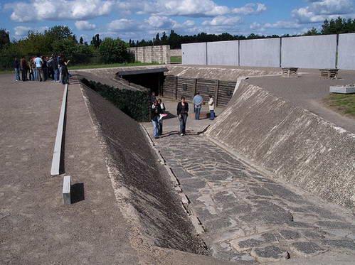 בורות ההוצאה להורג במחנה הריכוז זקסנהאוזן, גרמניה