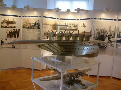 מוזיאון חיל האוויר בטירה החדשה במרסברג, גרמניה