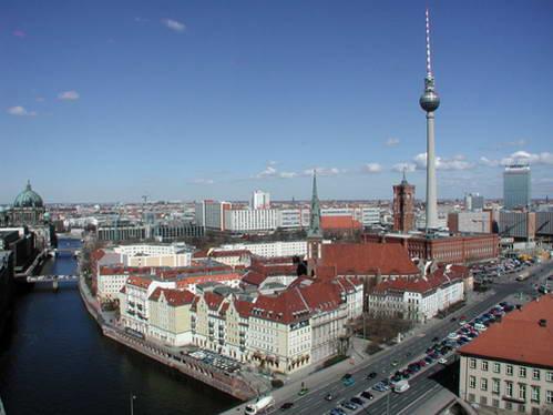 רובע Mitte ומגדל הטלביזיה בברלין, גרמניה