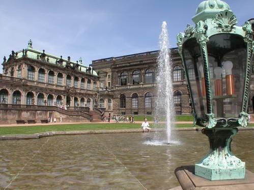 ארמון צווינגר בדרזדן, גרמניה