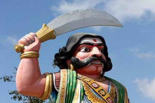 פסלו של השד מאהישאסורה שעל שמו העיר מייסור