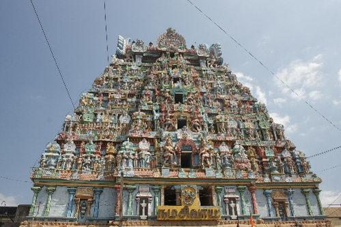 דרום הודו, שער גופוראם אופייני