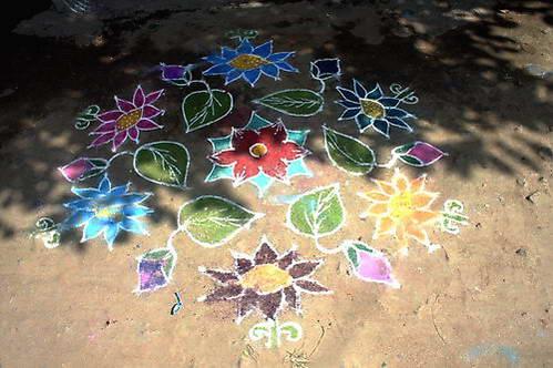 ציור על המדרכות בהודו