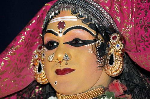 איפור פנים בריקוד הקתהקלי