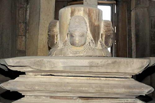 האל בראהמה, צפון הודו, מקדשי קג'וראהו