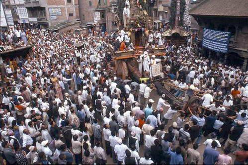 חגיגה בעיר פטאן בהשתתפות הקומארי