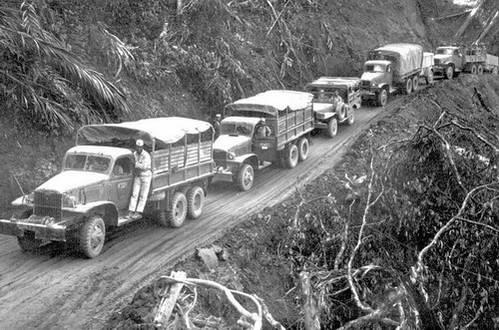 משאיות על דרך סטילוול, מיאנמר