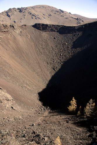 לוע הר הגעש חורגו