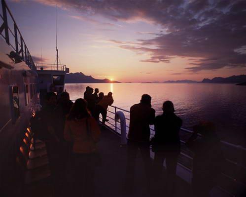 שמש חצות, איי לופוטן