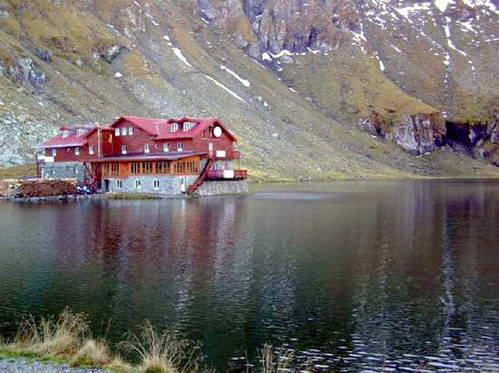 אגם balea ובקתת ההרים המפנקת