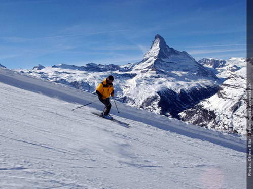 אתר הסקי צרמט (שוויץ) ואתר הסקי צ'רביניה (איטליה)