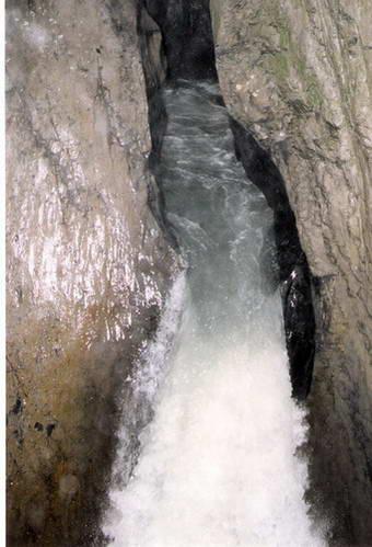 מפלי טרימלבאך, אזור יונגפראו, מרכז שוויץ