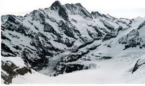 תצפית מיוגפראו-יוך על קרחון אלטש