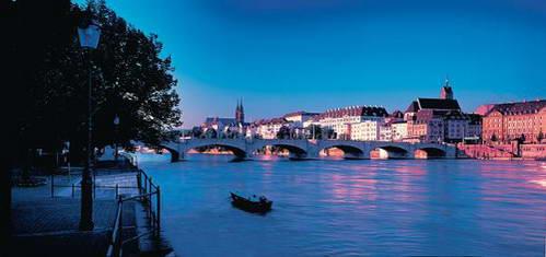 נהר הריין, גשר מיטלר והעיר העתיקה