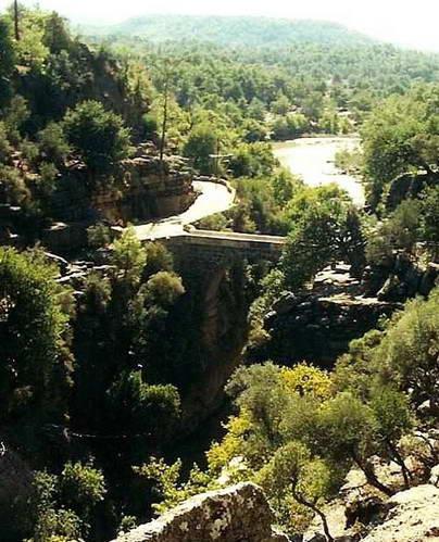 הגשר על נהר קופרולו, טורקיה