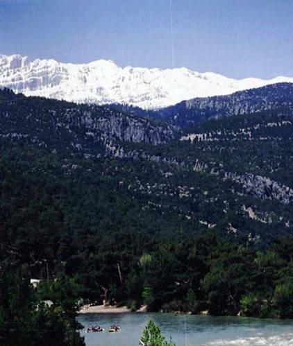 הרי הטאורוס המושלגים ונהר קופרולו, טורקיה