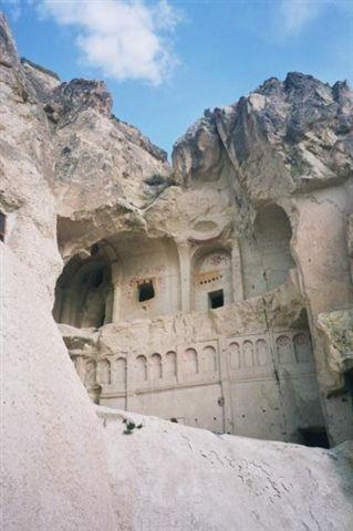 טורקיה, קפדוקיה, כנסיות ומסגדים חצובים בסלע הטוף