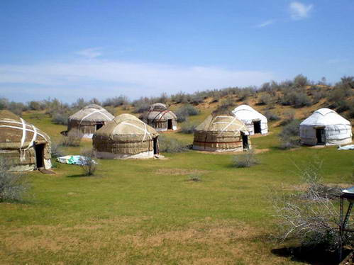מאהל יורטות – אוהל הנדודים המרכז והצפון אסייתי