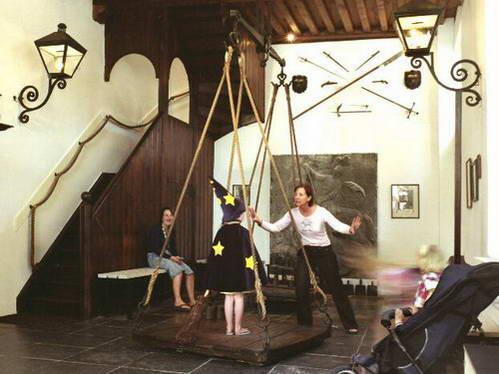 משקל למכשפות ולילדות חמודות, אוסטריה