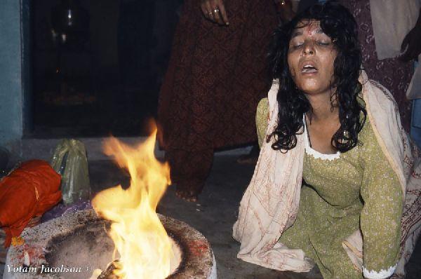 טקס גירוש שדים בהודו