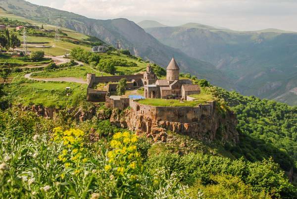 ארמניה, מנזר