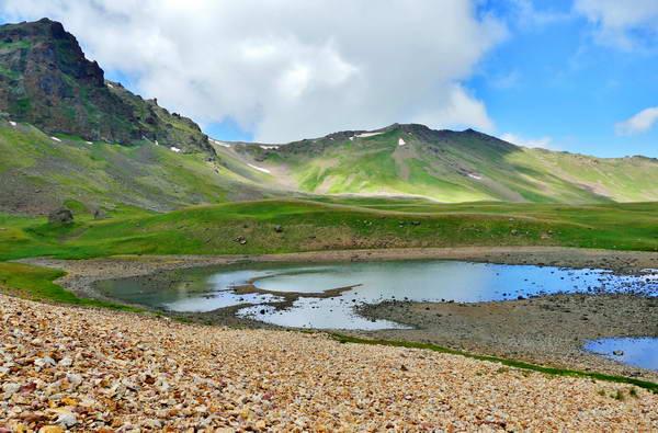 טיול הליכה בארמניה, אגם בלוע הר געש