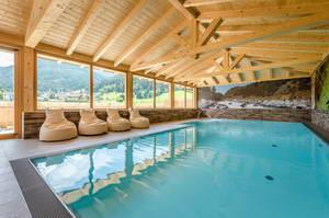 מלון מומלץ בעיירה ואתר הסקי פלאכאו