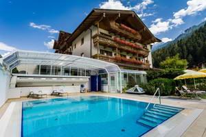 מלון בעיירה מיירהופן, טירול, אוסטריה