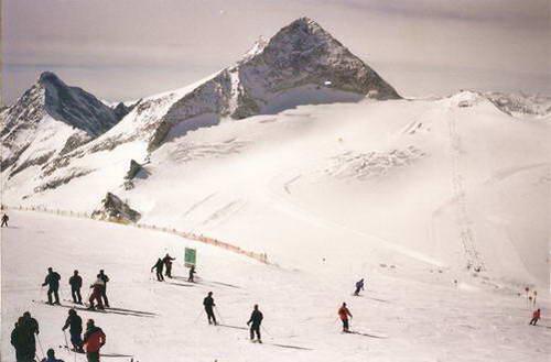 פסגת קרחון הינטרטוקס, מאיירהופן, אוסטריה