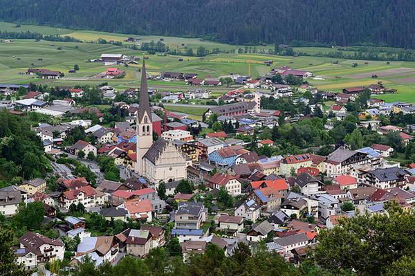 העיירה אימסט IMST, טירול, אוסטריה