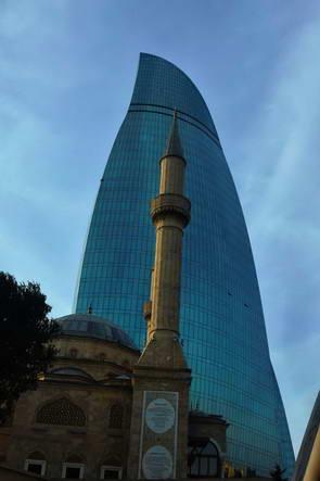 מגדלי הלהבה של באקו, אזרבייג'ן