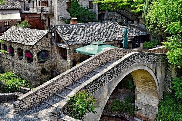 הגשר העקום, בוסניה והרצגובינה