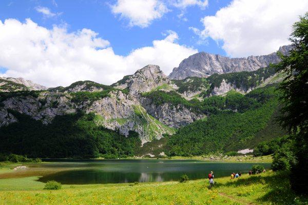 אגם טרנובאצקו והר מגליץ'