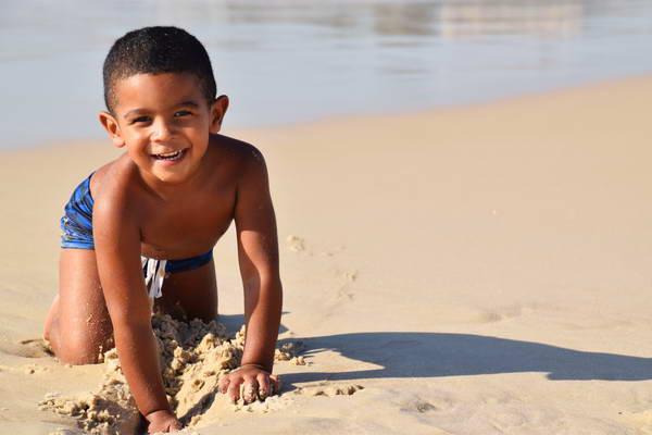 ילדים ברזילאים בחוף הים, ברזיל