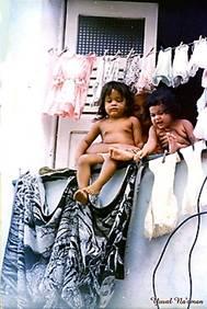 ילדים בחוף סלבדור, באהיה, ברזיל