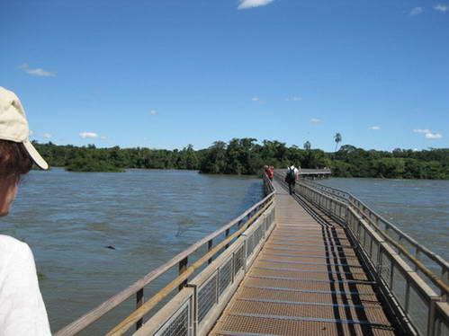 גשרי עץ, מסלול הליכה, מפלי האיגואסו, ארגנטינה