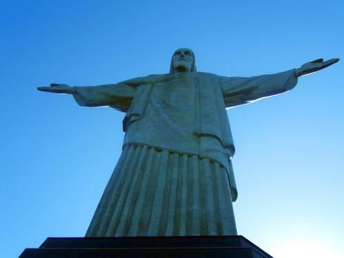 פסל ישו על הר קורקובדו, ריו דה ז'ניירו, ברזיל