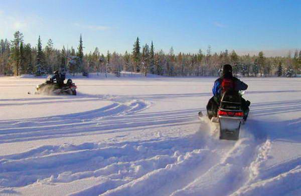 חופשת שלג בבולגריה, אופנועי שלג