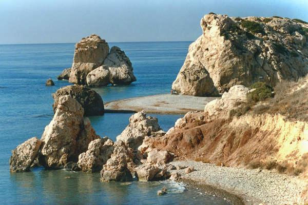 איים בקפריסין
