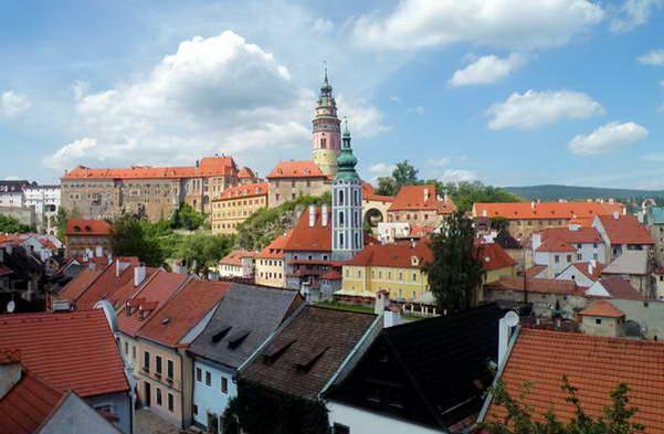 מגדלי הכנסייה והטירה של צ'סקי קרומלוב