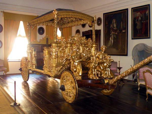 הכרכרה המצופה זהב 24 קראט בטירת צ'סקי קרומלוב