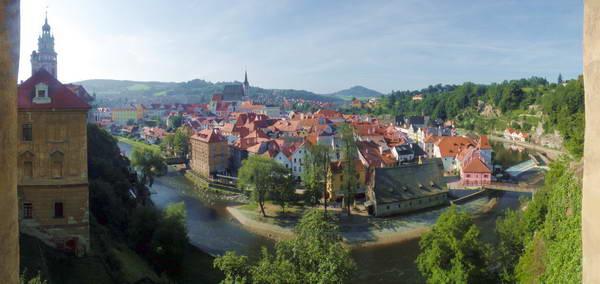 תמונות פנורמיות של העיר העתיקה של צ'סקי קרומלוב, מהטירה ומהכניסה לעיר