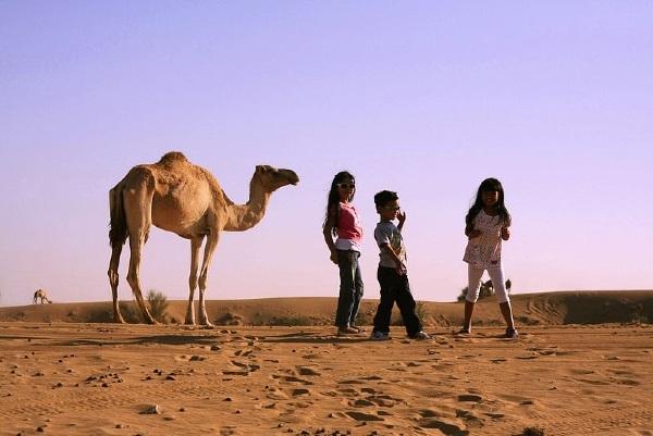 ילדים בדובאי