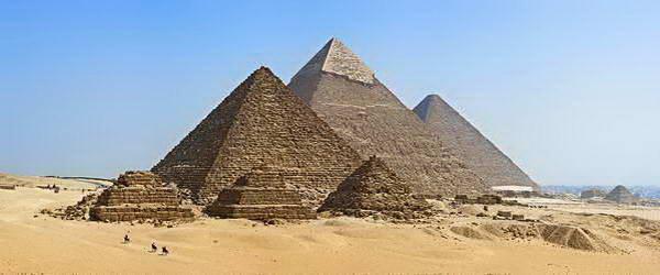 הפירמידה והספינקס בגיזה ליד קהיר
