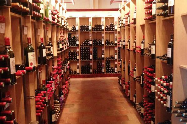 יין בעיירה סנט אמיליון, בורדו