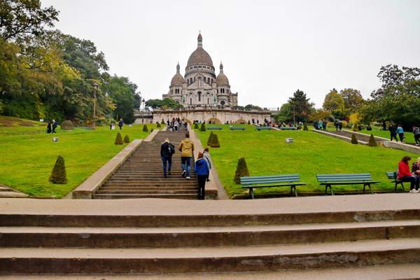 כנסית סקרה קאר בפריז