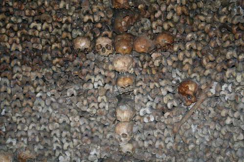 ממלכת המתים, שלדים בקטקומבות של פריס