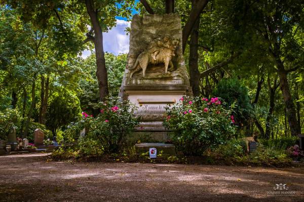 בית קברות לחיות מחמד, פריס